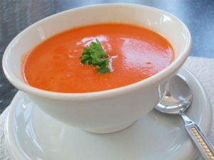 Sopa de tomate e cenoura