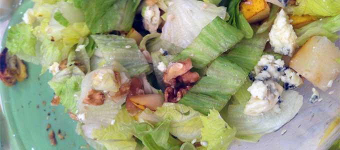 salada-alface-gorgonzola-pera-e-nozes